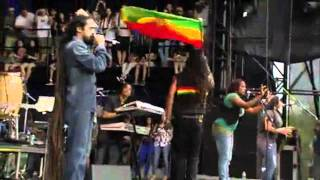 Nas & Damian Marley - Leaders - Live At Lollapalooza 2011