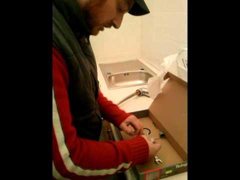 Montaggio miscelatore lavello cucina Idraulico Roma (Idraulico)
