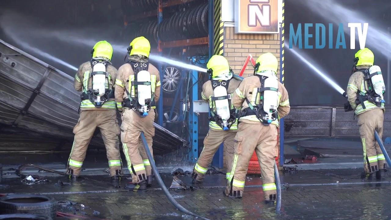 Grote brand in autobedrijf Gouderakstraat Rotterdam