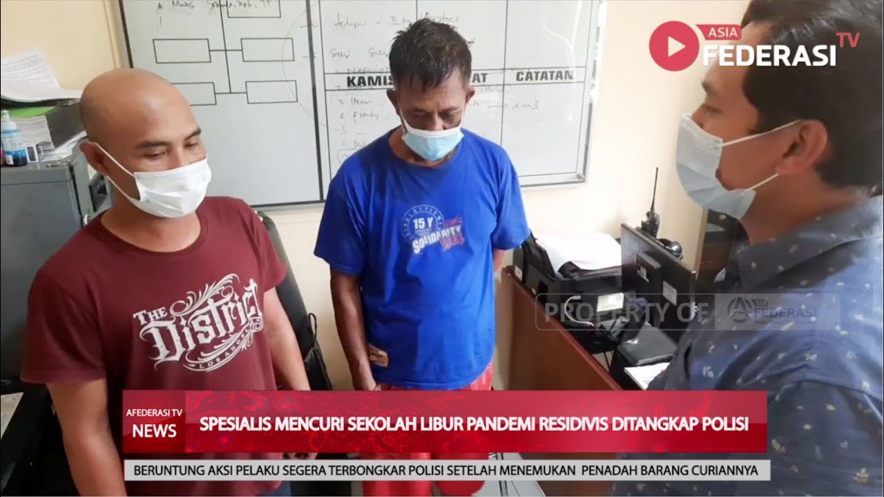 SITUBONDO – AKSI PEMUDA MENGGASAK SEJUMLAH BARANG ELEKTRONIK DI DALAM SEKOLAH