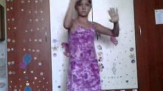 (tanec na) Lucie Vondr�?kov� - Zombie
