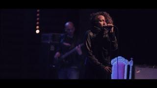 Maryam Saleh   Ana Mesh Baghanny   Live at Oshtoora 2015 - مريم صالح   أنا مش بغني   أشطورة ٢٠١٥ تحميل MP3