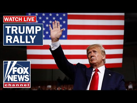 Trump holds rally in Milwaukee, Wisconsin