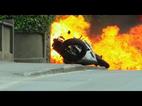 TT: Closer To The Edge [the world's most dangerous race] (2011)