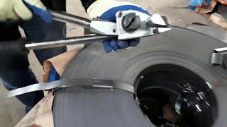 Лента оцинкованная упаковочная 0,7х20 от компании СТРАЙП - видео 1