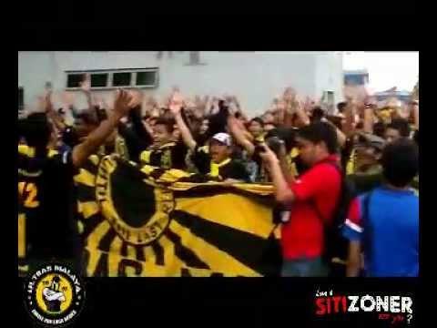 Ultras Malaya - Testing Suara DUA JIWA JADI SATU!