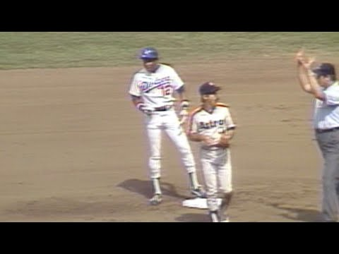1981 NLDS Gm3: Baker laces an RBI double in the 1st