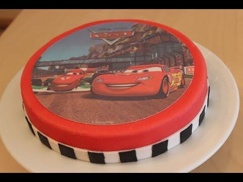 Geburtstagstorte: einfache und schnelle Cars-Torte mit Motivaufleger für Einsteiger