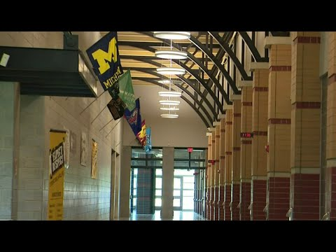 Detroit public school teachers hold vote on in-person classes
