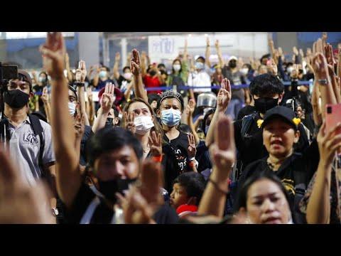 Ταϊλάνδη: Πολιτική κρίση και φόβοι για πραξικόπημα