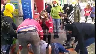 В центре Николаева молодой человек упал без сознания: очевидцы утверждают, что «скорая» ехала полчаса