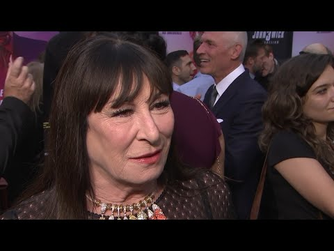 """No apologies from actress Anjelica Huston following her recent """"politically incorrect"""" comments about acting contemporaries. (May 16)"""