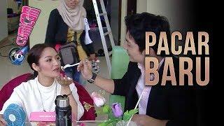 Gambar cover Siti Badriah Digandeng Pria Ganteng, Begini Aksi Romantis Mereka - Cumicam 20 Februari 2018