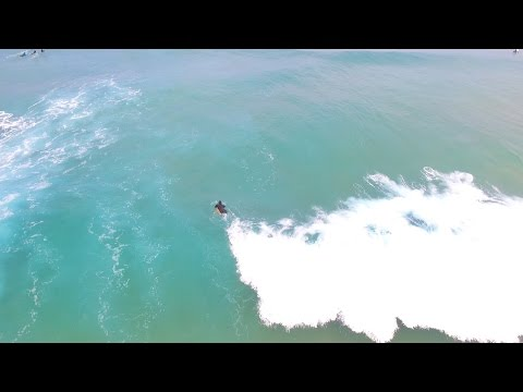 Surfing Gunnamatta with exciting waves