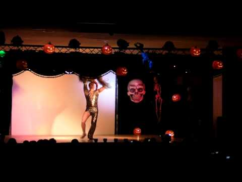 Sixto y Natasha - Salsa Halloween 2009