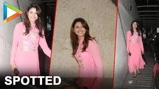 "Urvashi Rautela Spotted Outside Sanjay Dutt's House | ""Hate Story 4"" Movie Actress"
