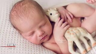 Giraffe mom shares new photos