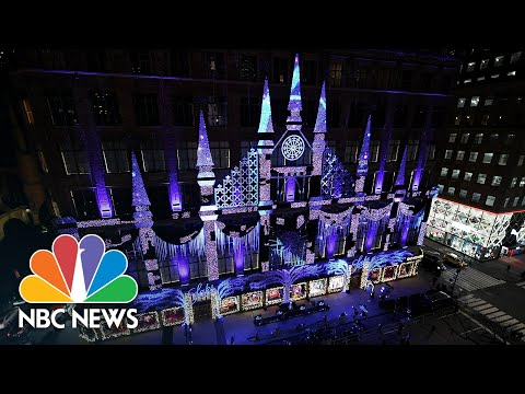 Watch: Saks Fifth Avenue Unveils Annual Holiday Light Show | NBC News NOW
