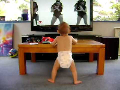 Puppies and Flowers : Baby Dancing to Beyonce