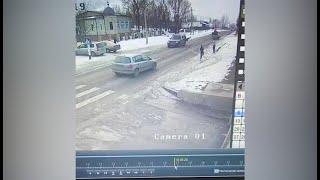 В Кой-Таше внедорожник сбил парня и скрылся — видео момента ДТП