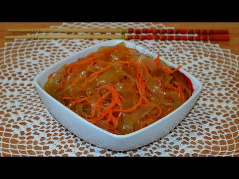 Салат из лапши  Ашлямфу(Ашлям фу) с  морковью по-корейски(凉拌粉皮). Cold vermicelli.