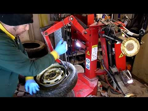 How to use a butler 1050 airdraulic/hunter tyre changer, (my attempt)