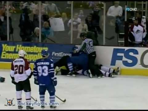 Korbinian Holzer vs Mike Brennan