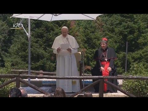 Pèlerinage du Pape François à Barbiana: prière sur la tombe de don Lorenzo Milani et discours