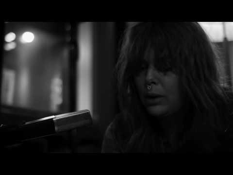 TRUE MOON - HONEY - LIVE AT GARDENIA (Official Live Session)