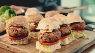 〈拉姆齊上菜〉完美煙燻豬肉漢堡 │ Smoky Pork Sliders with BBQ Sauce │ Gordon Ramsay