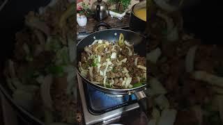 מתכון למרק אתיופי עם שיבולת שועל ובשר בקר מוקפץ