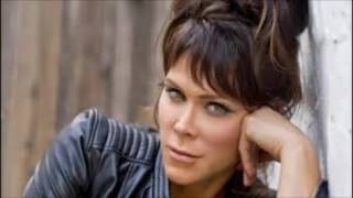 "Beth Hart & Joe Bonamassa - ""A Sunday Kind Of Love"""