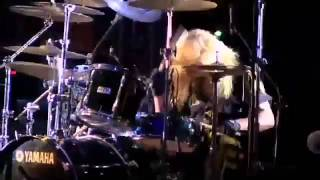 Stryper - The Rock That Makes Me Roll (Live)
