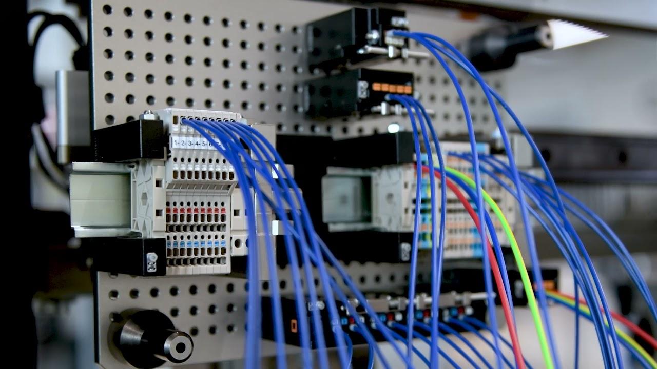 11. Vollautomatische Kabelkonfektionierung mit der Omega 740