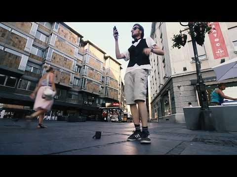 Chanter 5 chansons dans la rue