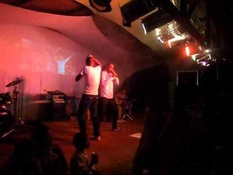 André e Matheus ao vivo em Paranapuã-SP 2011...
