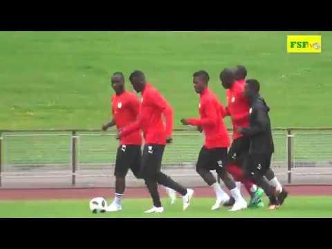 Vidéo: Première séance d'entraînement des Lions du Sénégal à Vittel