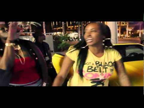 "REdoubbleLL  ""Dont Fold""    Female Rapper #DopeGirlFresh"