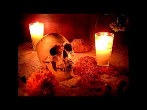 Porque ENCENDEMOS velas a los muertos