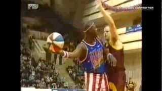 Смотреть онлайн Прикольная игра в баскетбол