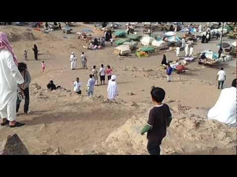 تصوير قبر حمزه والشهداءو جبل احد-من على جبل الرماه.mp4