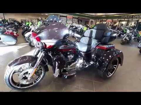 2020 Harley-Davidson CVO Tri Glide FLHTCUTGSE