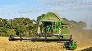 Big Harvest 2015 With Two John Deere ! Moisson De Blé 2015 .