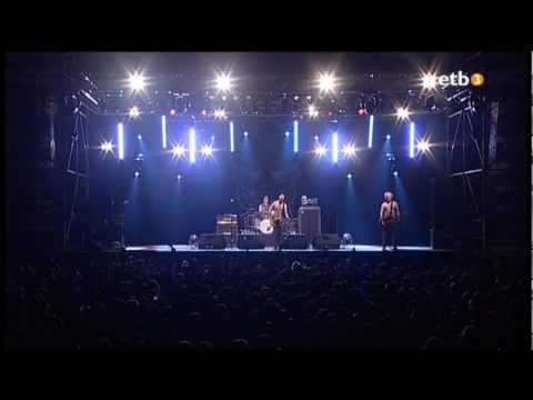 Toy Dolls - Glenda and the Test Tube Baby (Live@Azkena 2009)