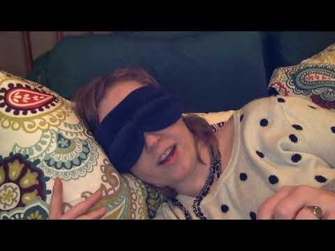Mask para sa mukha paglilinis sa mga kondisyon house