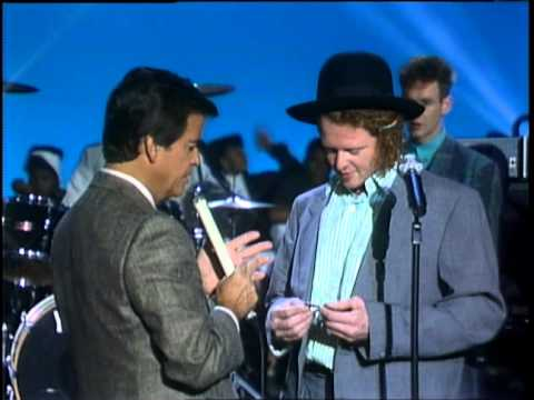 Dick Clark Interviews Simply Red - American Bandstand 1986