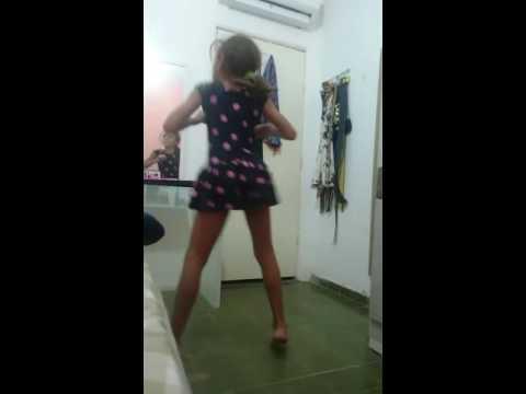 Luana Leticia dançando(2)