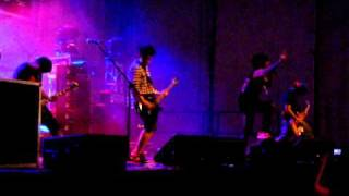 Chicosci Live at Baybeats 2010 - Intro, Off With Her Head (Part 1)