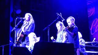 Brandi Carlile -  Cayamo 2/5/18 - Pride and Joy with the family!