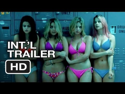 ... it honestly just a pastiche of a heist movies given a bikini makeover